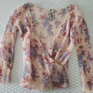 Adorable free people cropped sweater!